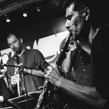 Ground-Jazz-Band-+-38-Tonnes-Brass-Band_S